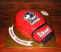 """Торт """"Боксерская перчатка"""""""